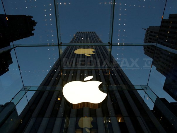DEZASTRU pentru Apple. Câte milioane de dolari pierde compania înlocuind bateriile iPhone-urilor vechi