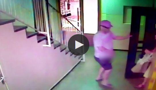 Imagini NOI cu un atac la lift. Agresorul este Eugen Stan, poliţistul pedofil | VIDEO