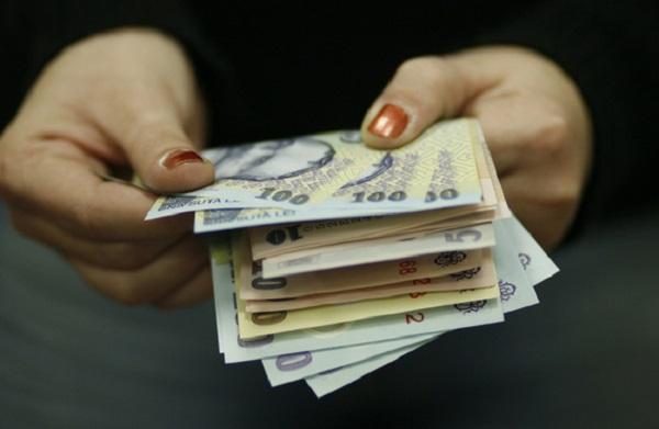 INS: Slariul mediu pe economie a crescut în decembrie la 2.629 de lei