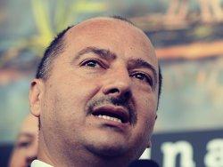 """Remuz Borza: """"9.000 de lei reprezintă o indemnizaţie decentă. Vreţi să venim desculţi?"""""""