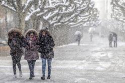 Meteorologii anunţă GER POLAR şi NINSORI în weekend. Temperaturile o să scadă până la  -18 grade