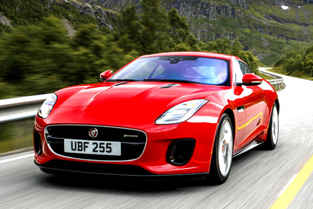 Tânărul care şi-a vândut Porsche-ul cu 22 de euro vrea să-şi dea Jaguarul cu aceeaşi sumă. Care este sigura condiţie pe care cumpărătorul trebuie să o îndeplinească
