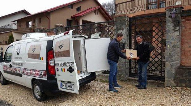 Tarifele mari practicate de retaileri îi obligă pe fermierii români să livreze carne proaspătă direct la uşa clientului. Cum vi se par preţurile?