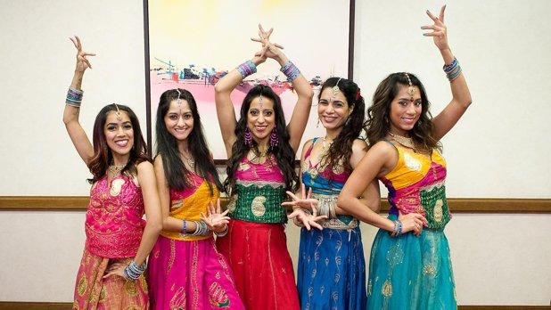 Românii sunt mai interesaţi de filmele indiene decât de Centenar
