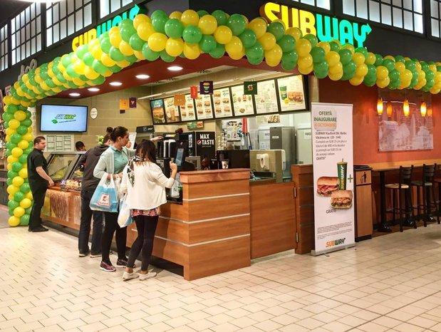 Ce decizie ia cel mai mare lanţ de restaurante cu servire rapidă din lume