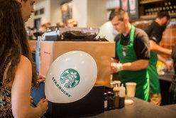 Starbucks închide peste 8000 de cafenele. Motivul este surprinzător