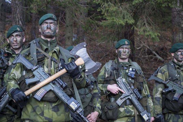 Suedia distribuie pliante prin care cetăţenii primesc instrucţiuni în cazul unui război