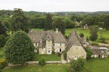 Castel franţuzesc de 1,7 mil. de €, scos la vânzare cu 11 €. Care sunt condiţiile