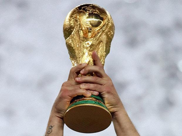 Cine stă alături de Messi şi Ronaldo în topul celor mai valoroşi jucători ai naţionalei lor în cadrul Campionatului Mondial de Fotbal din Rusia? În timp ce ultimul loc are o valoare de 950.000 de dolari, cel de pe primul loc are o valoare de 220 de milioane de dolari