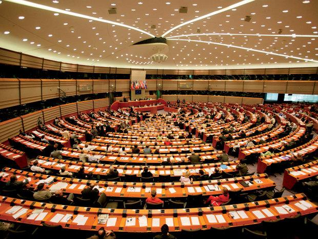 Vom avea UN EUROPARLAMENTAR ÎN PLUS din 2019. Brexit măreşte numărul românilor din Parlamentul European