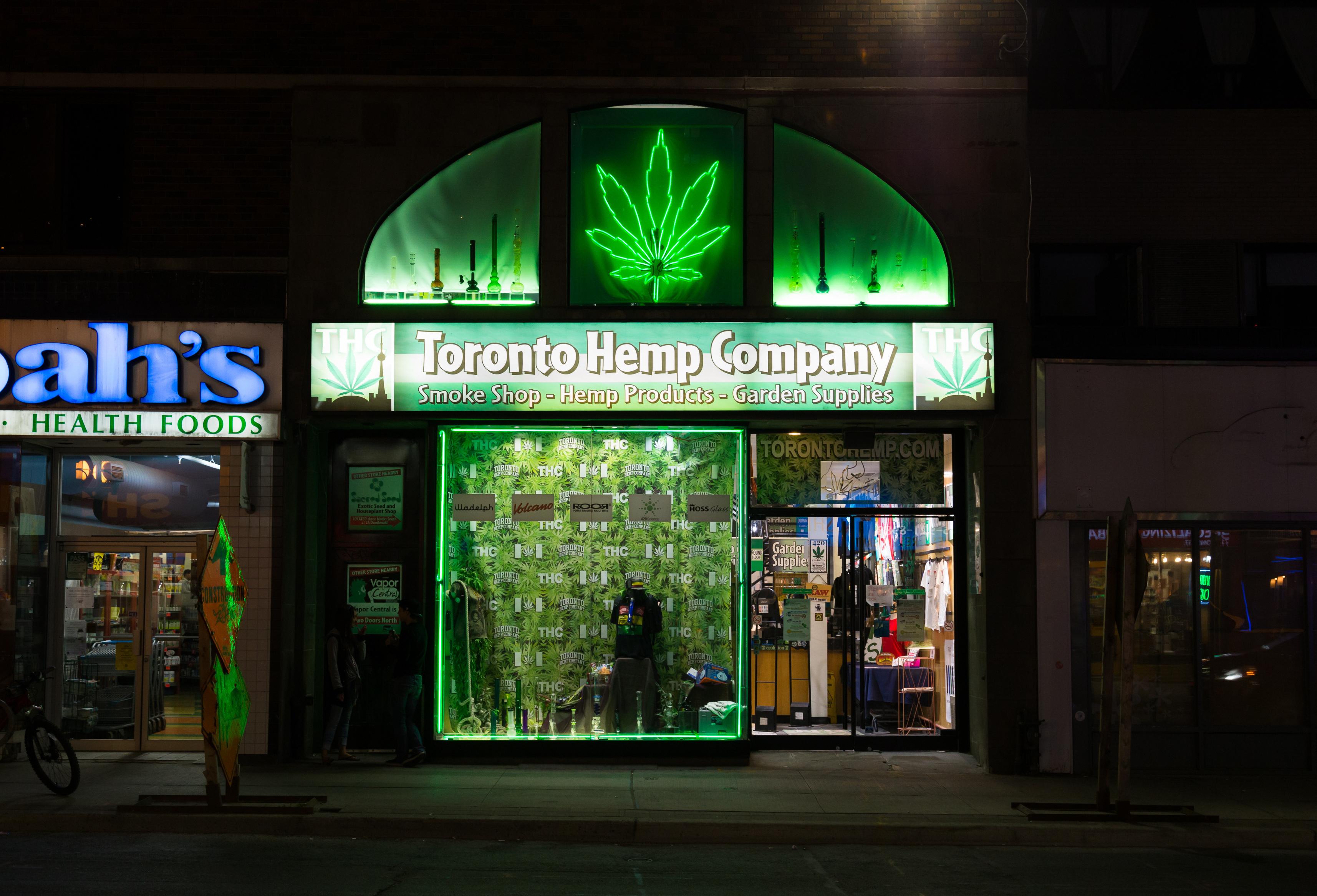 canada-devine-a-doua-tara-din-lume-care-legalizeaza-consumul-de-canabis-