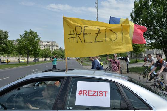protestatarii-rezist-dupa-decizia-privind-declararea-obligatorie-a-mitingurilor-dam-statul-