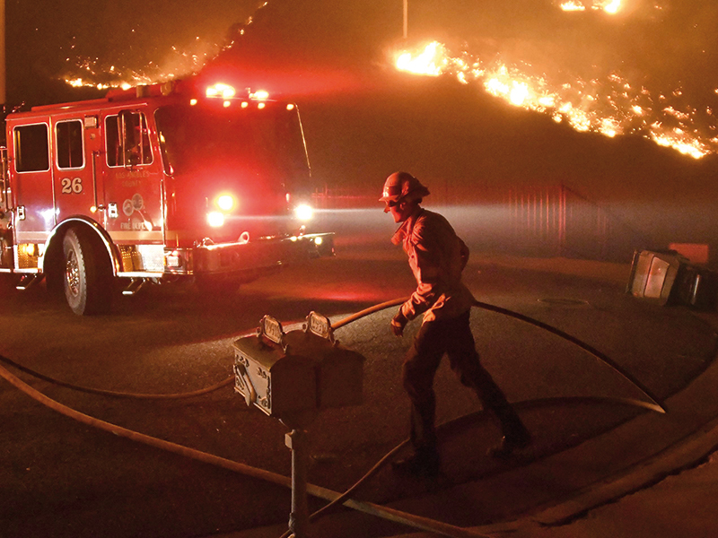 cel-mai-puternic-incendiu-din-istoria-californiei