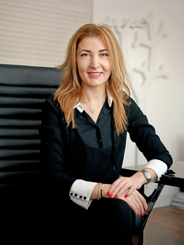 Cele mai puternice 100 de femei din business: Anda Jurcă, director naţional de vânzări { Teilor }