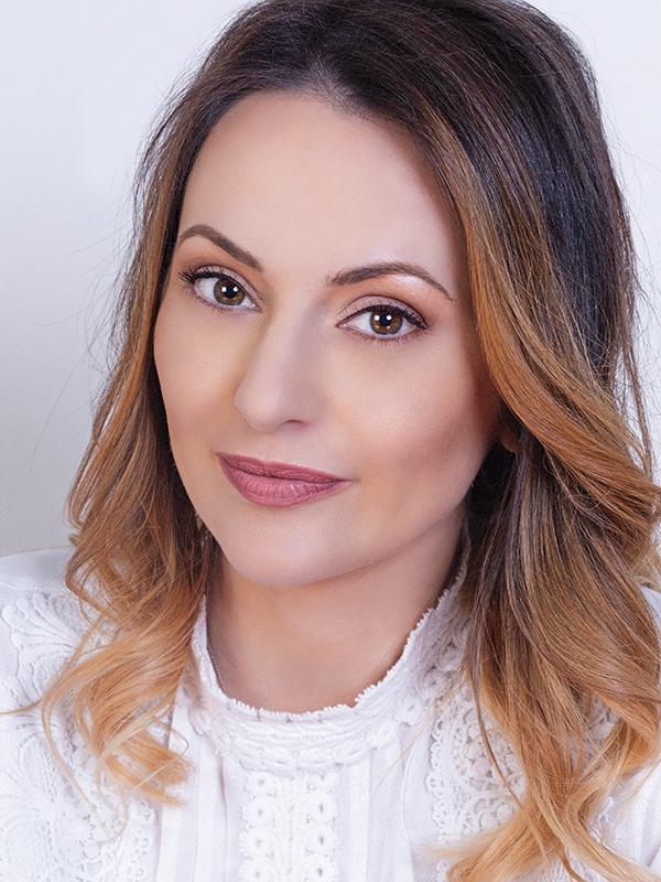 Cele mai puternice 100 de femei din business: Alina Sudriu, fondator { Grace Couture Cakes }