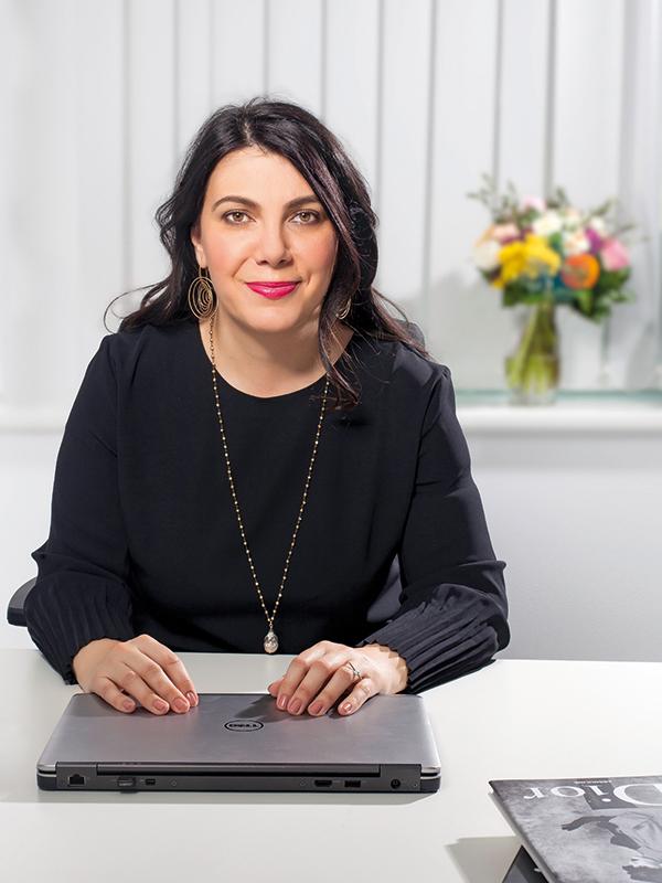 Cele mai puternice 100 de femei din business: Dana Petcu, country manager { Parfums Christian Dior România }