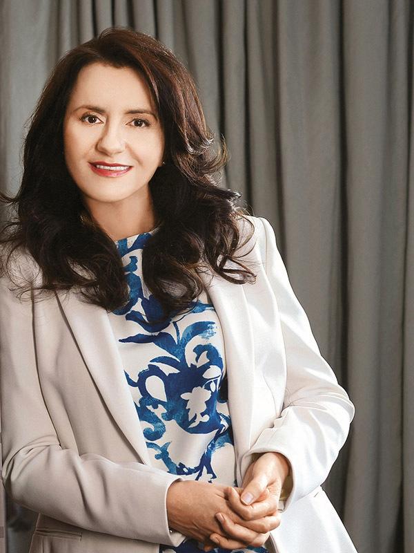 Cele mai puternice 100 de femei din business: Veronica Savanciuc - Preşedinte şi CEO { Lowe Group }