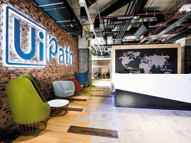 De 7 ori unicorn: UiPath obţine o nouă finanţare şi ajunge