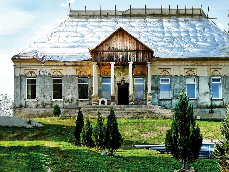 Care este povestea spaniolului Miguel Ventas, care la 76 de ani a  renovat un castel cu istorie din România