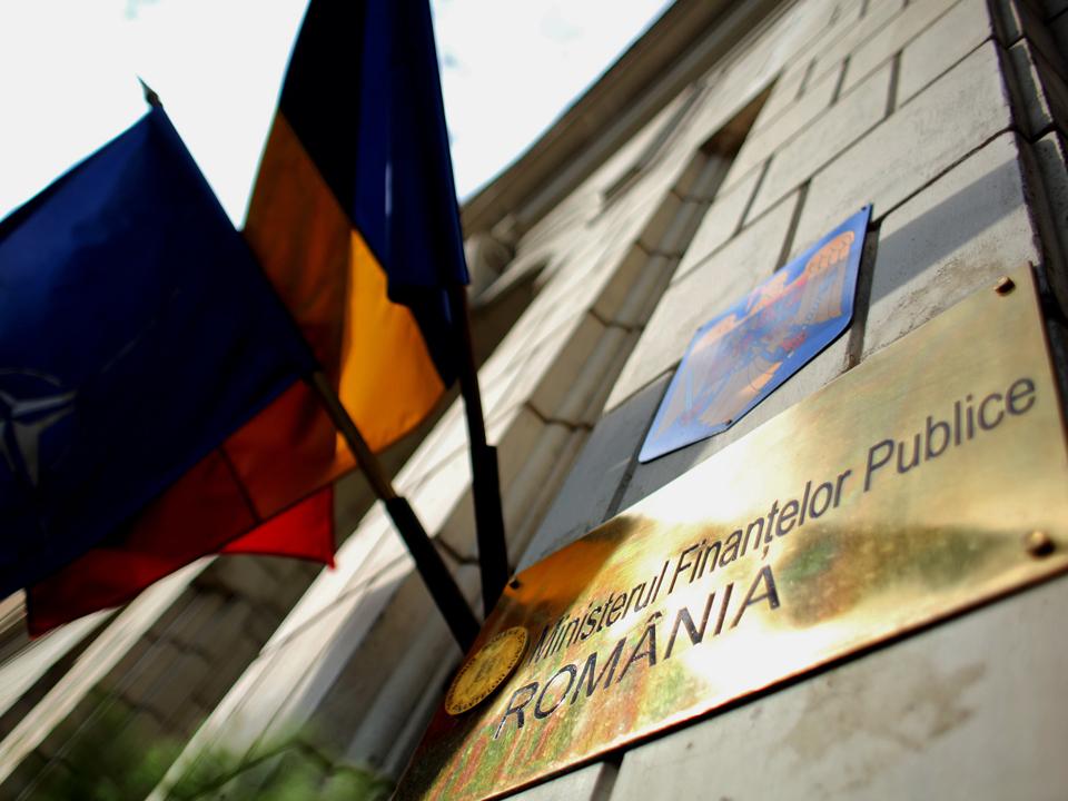 Ministerul Finanţelor a împrumutat astăzi 809 mil.lei de la bănci, în două emisiuni de obligaţiuni, pe un an şi 9 ani