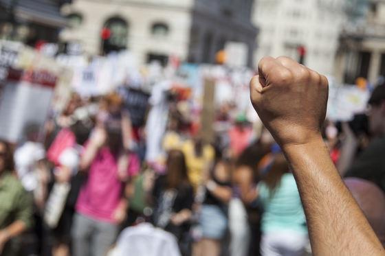 Protest pentru lacul din Parcul Circului al Capitalei. Care sunt motivele pentru care au ieşit în parc 200 de protestatari