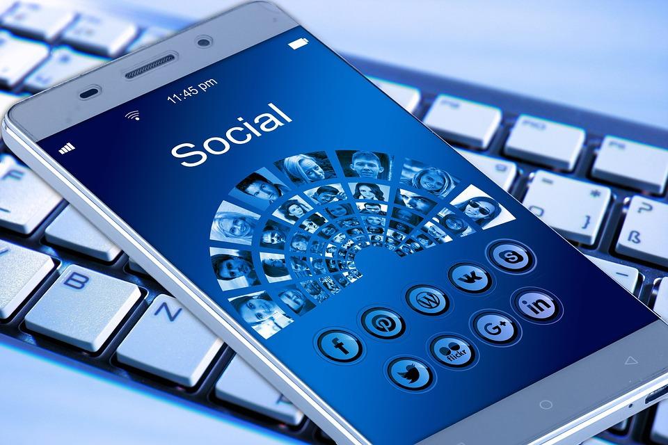 facebook-a-eliminat-mai-mult-de-3-miliarde-de-conturi-false-