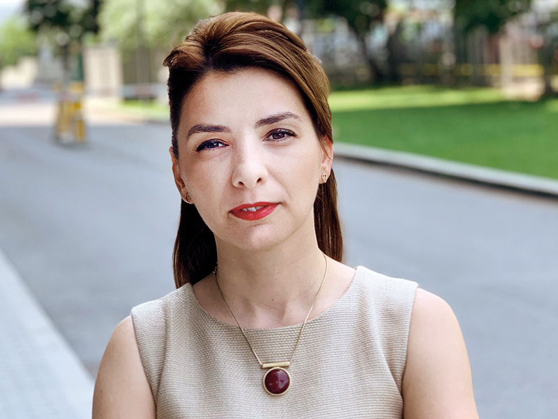 100-tineri-manageri-de-top-2019-elisabeta-mihailescu-public-sector-division-manager-orange-romania