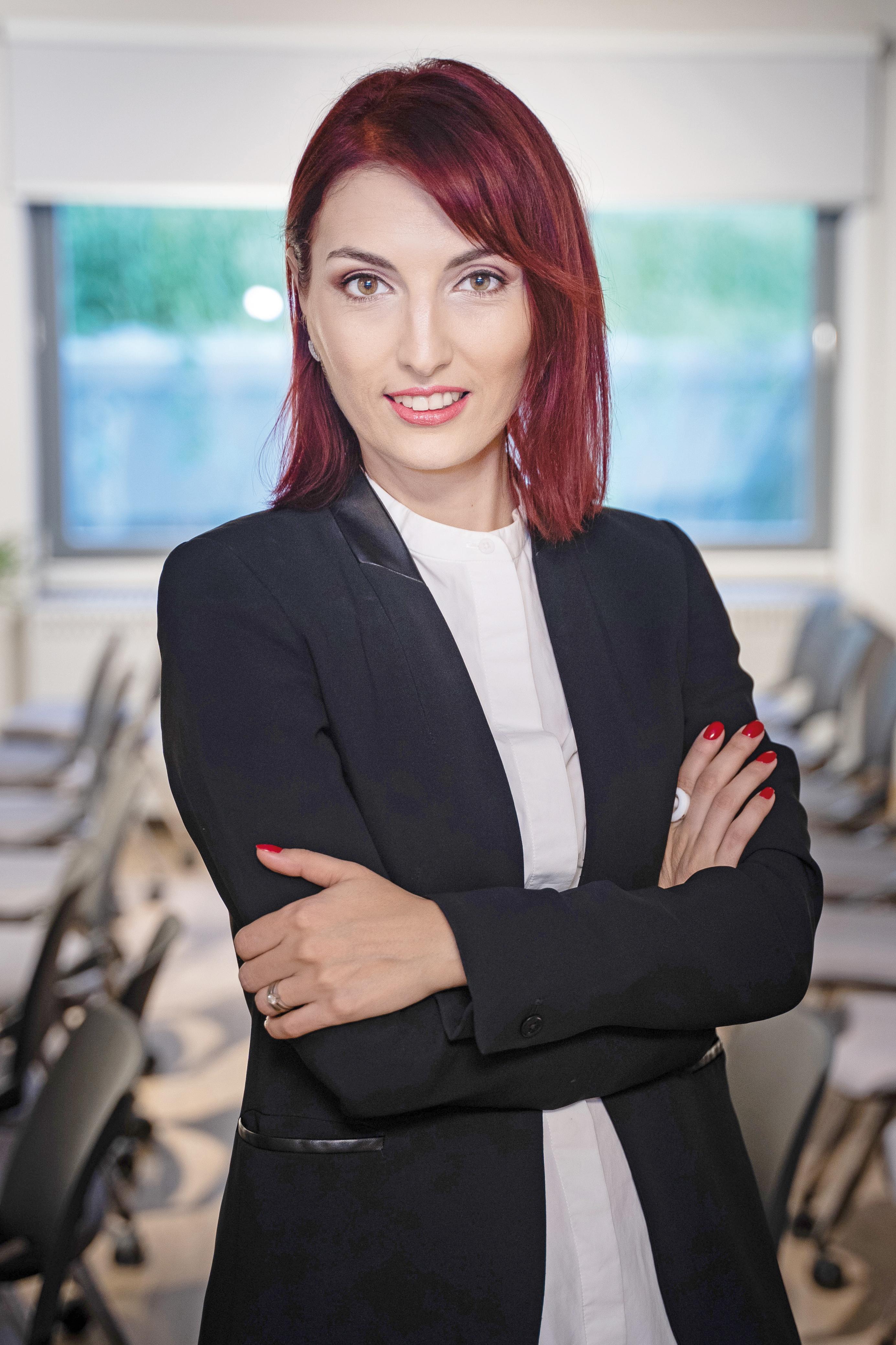 105 Cele mai puternice femei din business - Emilia Popa, head of marketing and communication, Mazars(...)