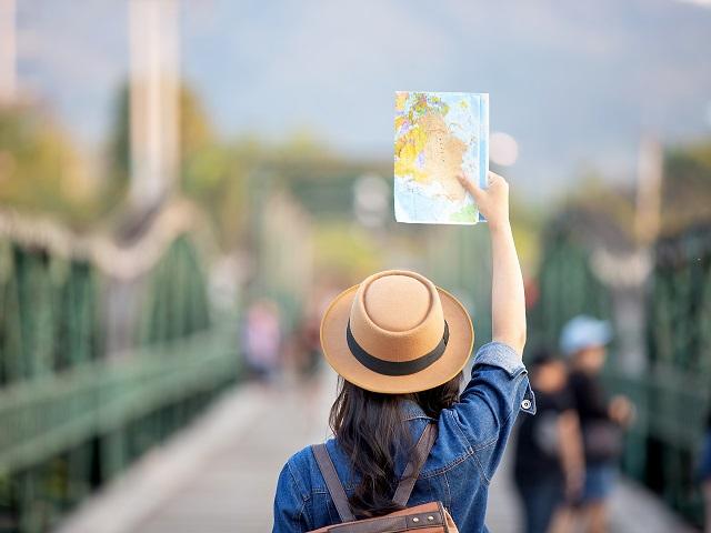 Cum se vede pandemia în vacanţele românilor în afară? Banii cheltuiţi de români pe călătoriile în străinătate au scăzut cu(...)