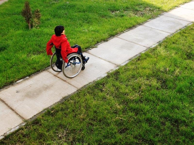 Incă un focar de COVID la un centru de îngrijire persoane cu dizabilităţi. Sunt 48 de infectaţi