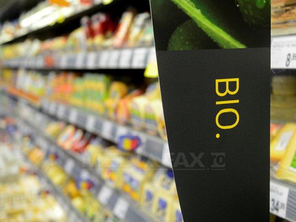 """Pandemia îi împinge pe români spre o alimentaţie sănătoasă: """"prima parte a anului 2020 a adus creşteri de 15% în segmentul(...)"""