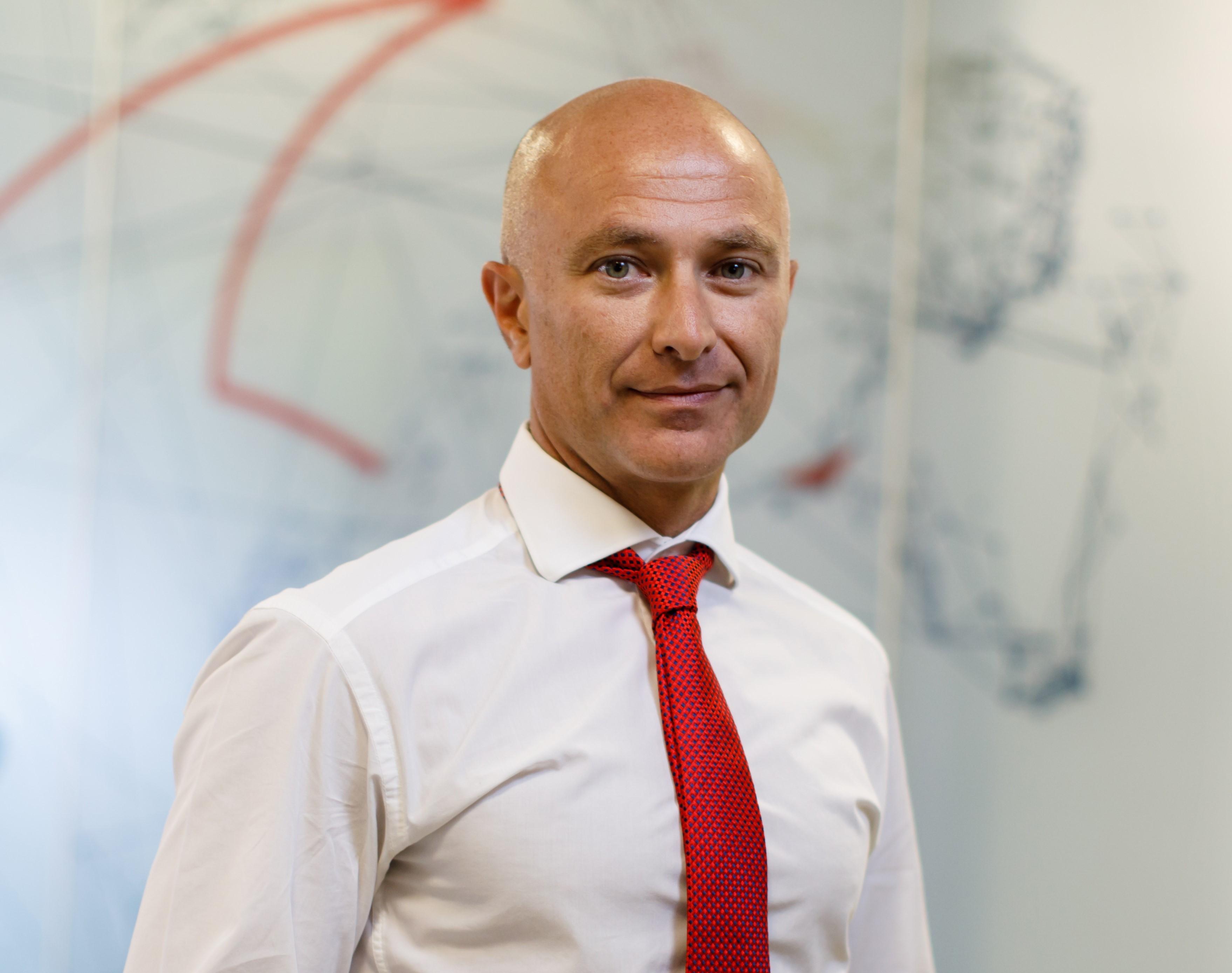 Vodafone numeşte un nou şef pentru România: Achilleas Kanaris, care conduce în prezent operaţiunile grupului din(...)