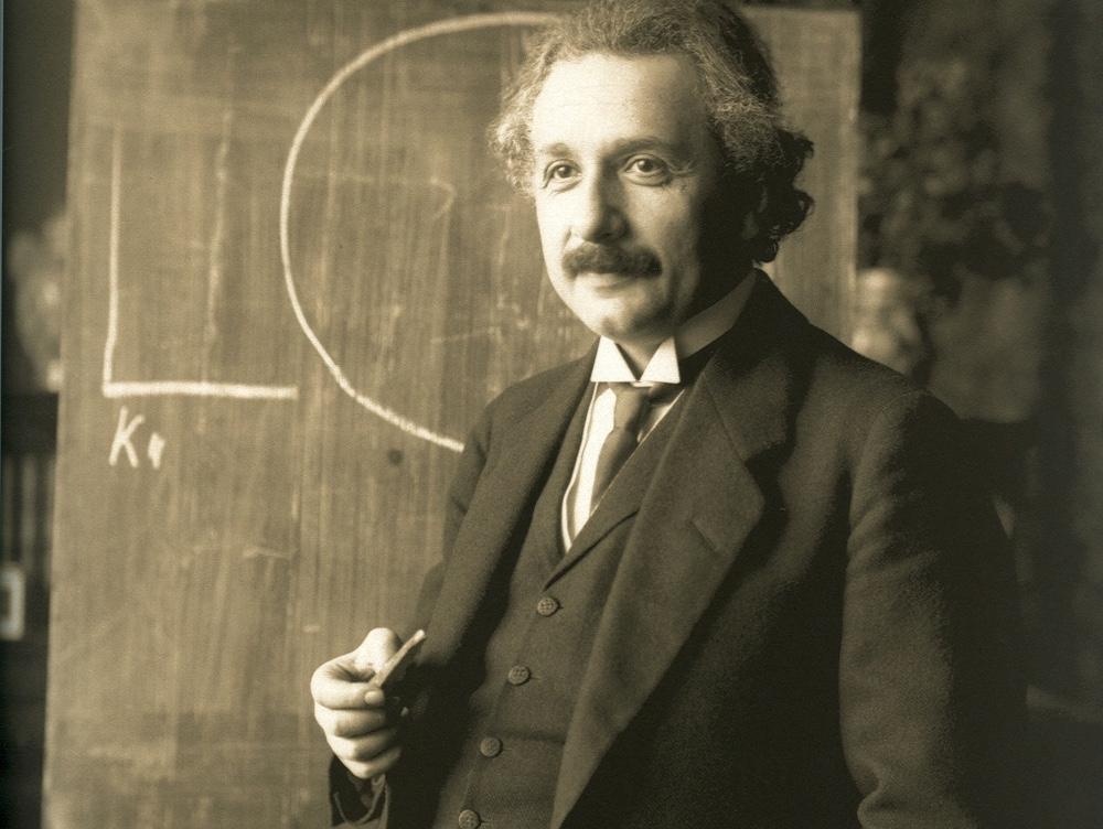 Ghicitoarea scrisă de Albert Einstein când era copil pe care doar 2% dintre oameni o pot rezolva