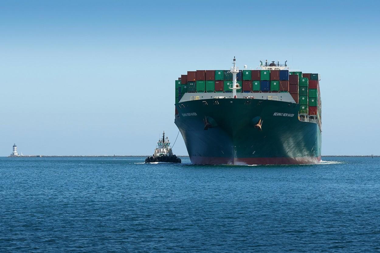 Noile focare de Covid din China ameninţă transporturile principalului port din SUA. Cel mai mare transportator(...)