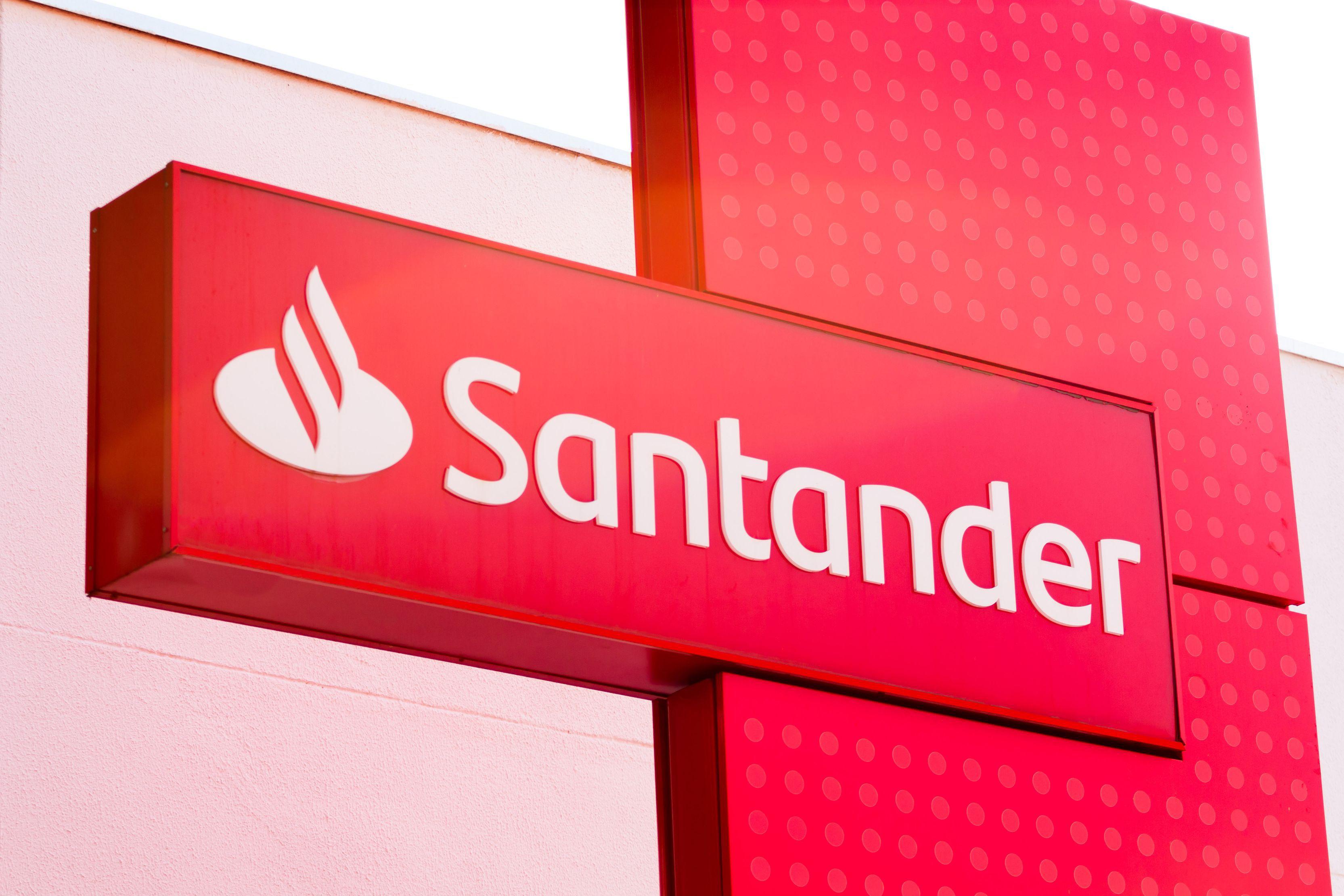 Spaniolii de la Santander au avut un profit net de 2,07 mld. euro în T2/2021, cu 35% mai mult faţă de T2/2020,(...)