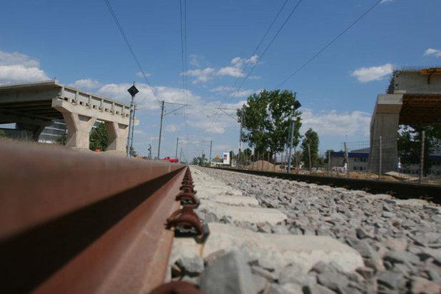 Un an si jumatate pentru consolidarea a 900 de metri de cale ferata
