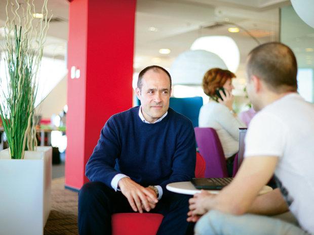 Prima companie din România care renunţă la birourile angajaţilor