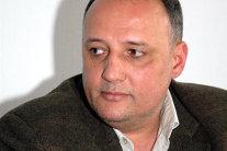 Un director din România şi-a băgat în contract o clauză prin care IA SALARIUL PE 15 ANI DACĂ E CONCEDIAT. Câţi bani a primit  în final