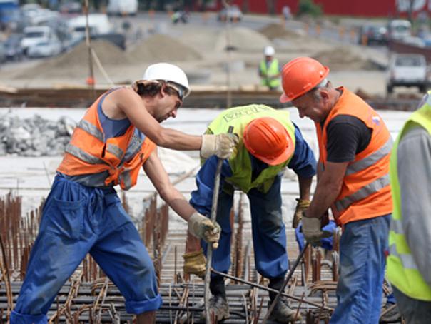 Angajaţii români consideră că merită salarii cu 1.000 de lei mai mari decât cele pe care le au în prezent. Salariaţii din Bucureşti au cele mai ridicate aşteptări
