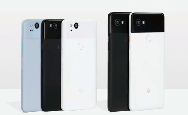Google a lansat două noi smartphone-uri, căşti care traduc în timp real din 40 de limbi şi un laptop