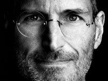 """Steve Jobs, în 2010, despre ipoteza unui iPhone cu ecran mai mare: """"Nu ar cumpăra nimeni aşa ceva. Nu poţi să îl ţii în mână"""""""
