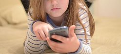 Care este vârsta potrivită pentru a-i da unui copil un smartphone?