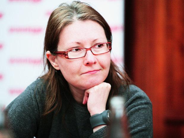 Opinie Crenguţa Nicolae, redactor-şef adjunct: Deconstruiţi şi veţi fi liberi