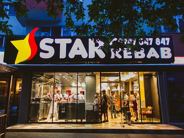 (P) De la antreprenoriat independent la francize profitabile: Cum a evoluat Star Kebab în mai puţin de 1 an de la deschiderea primului restaurant în România