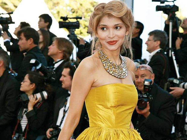 Fiica unuia dintre ultimii dictatori ai lumii şi viaţa sa incredibilă. A cântat cu Iglesias, vinde bijuterii şi fură milioane de dolari