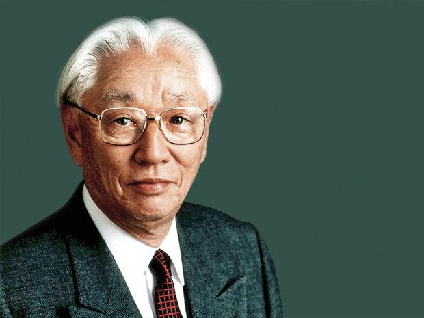A lăsat afacerea familiei cu sake şi sos de soia si a creat una dintre cele mai mare companii de electronice din lume