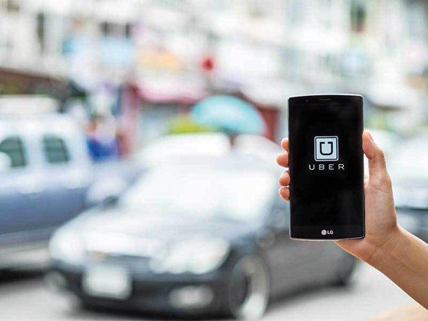 Cum a ajuns Uber vârf de lance în lupta start-up-urilor cu limitările impuse de autorităţi