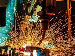 Cum au ajuns fabricile Americii să fie invadate de roboţi ruropeni şi japonezi
