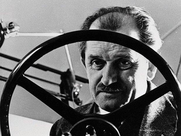 Povestea omului care a creat una dintre cele mai cunoscute maşini din lume. Cum a ajuns să fie decorat de Hitler