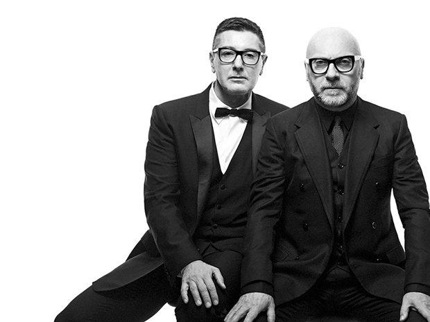 Povestea celor doi designeri care care vând haine de peste 1 miliard de dolari anual